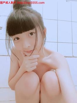 可爱粉嫩18岁萌妹子诱惑玩茓自拍视图[51P+7V][250MB]